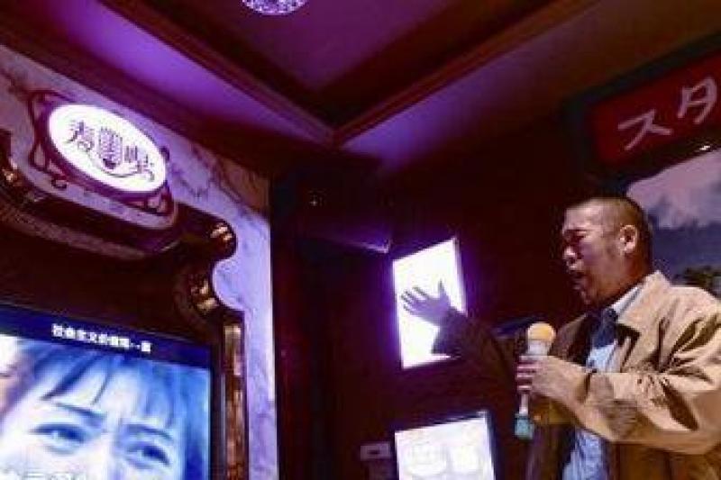 【精彩生活】KTV已被老年人占领!年轻人纷纷点赞:是时候让老有所乐了
