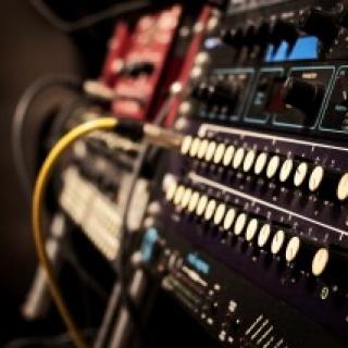 深圳市有信念文化发展主营: 配音录音 歌曲音效 视频音效
