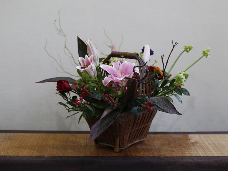 【中华传统花艺】中华传统花艺,如果有兴趣我们可以一起插花一起学习,个性服务>>手艺工艺>>插花花艺