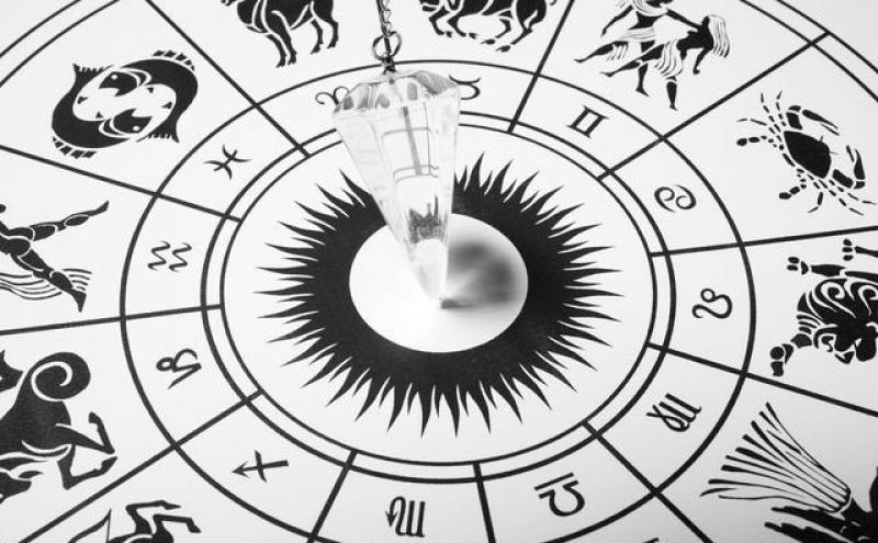 如何区别占卜和算命?