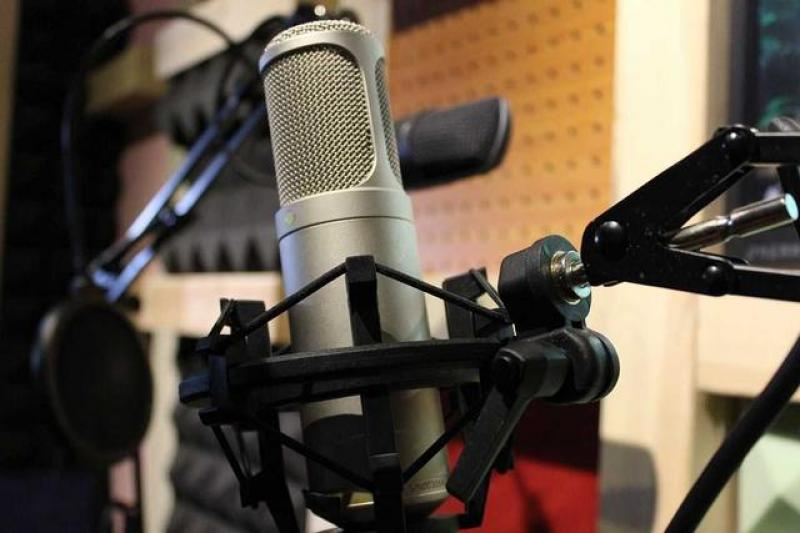 【叮咚配音工作室】如何给自媒体配音?自媒体有哪些配音的方法!
