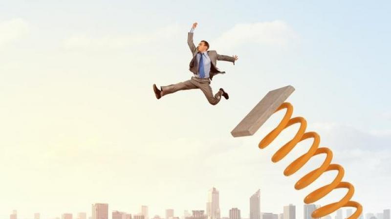 做销售,要想快速积累人脉资源的方法,就问你想不想学!