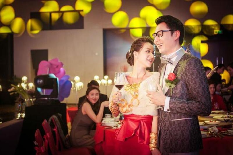 【杭州爱尚庆典策划有限公司】婚礼跟拍报价单一般包含哪些费用?婚礼跟拍需要多少费用呢?