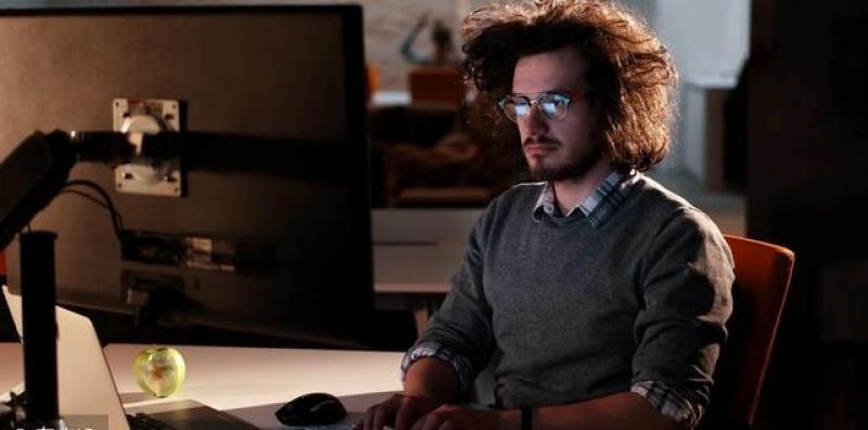 【南巷旅人心理咨询】程序员年薪高达30万,为什么还有很多程序员单身?