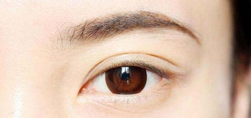 【女性】人类眉毛颜色的秘密被揭开!决定它的是这些
