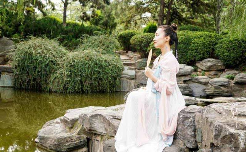 【一倾风月一流年】汉服才是中国的传统服装,旗袍、唐装、中山装都算不上国服