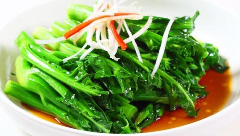 炒青菜时,第一步下锅是错的!多做这两步,青菜翠緑还营养