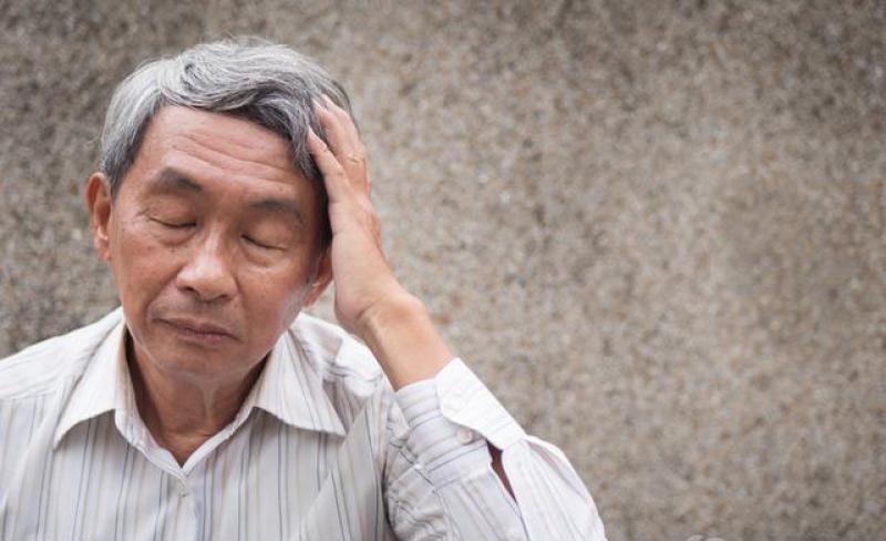 头上容易长白发,4个问题心中先反省,不能小看