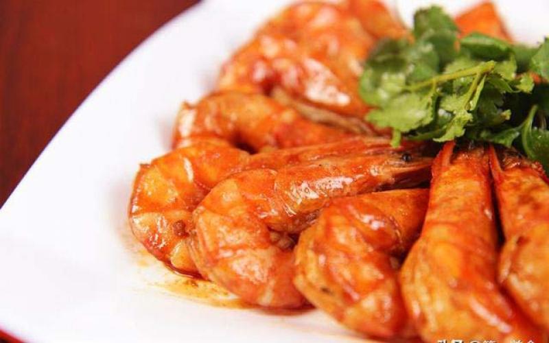 厨师长教你油焖大虾的家常做法,只要掌握这一点,大虾酥脆浓香
