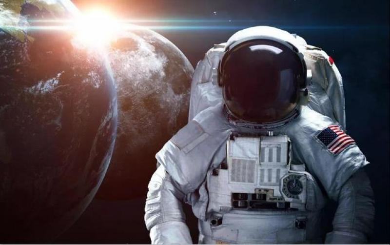 美国正式宣告将在月球建立永久存在基地