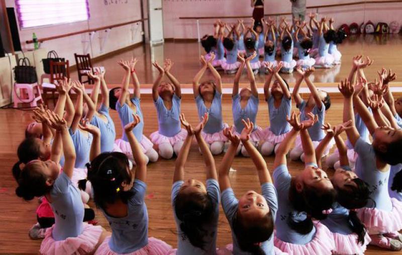 少儿舞蹈也是种教育,且用处还多,难怪那么多小孩在学