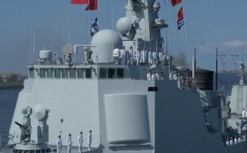为何派052C西安舰赴俄阅兵?原来还有这些讲究