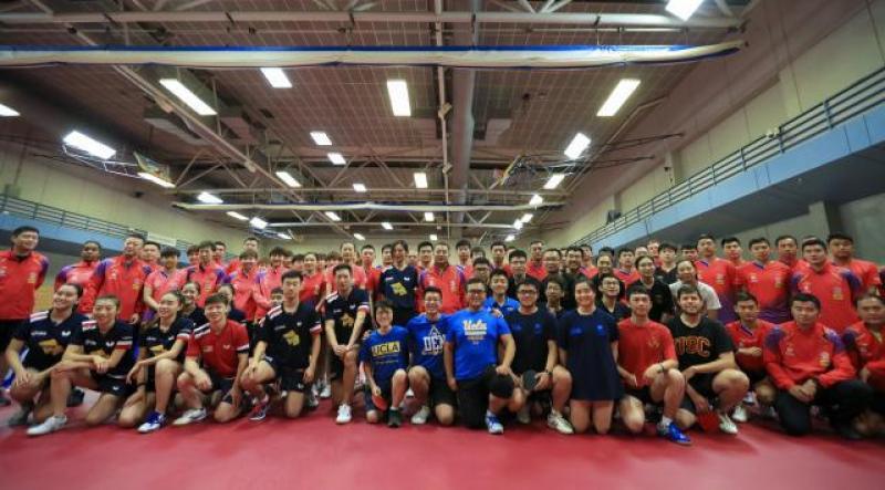 中美国家乒乓球队在美共同训练