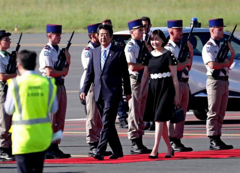 【柠檬不甜但很酸】G7峰会各国元首抵达机场 现场警卫荷枪实弹