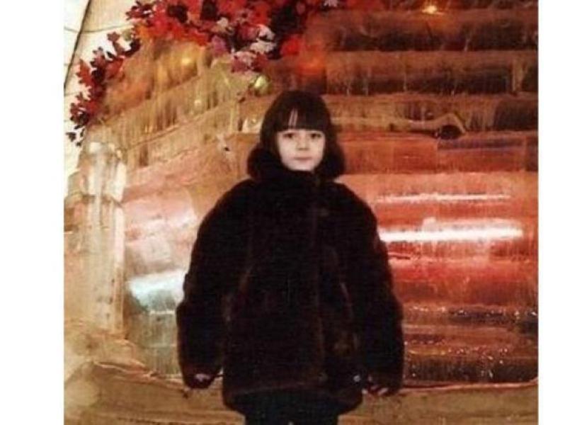 明星罕见的童年照:刘亦菲气质很仙,宋雨琦幸好长开了,鹿晗超萌