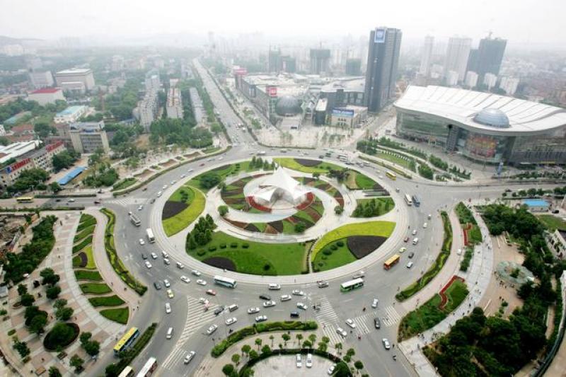 脑洞大开!地下3层车道同时通地铁,中国造出亚洲最大地下综合体