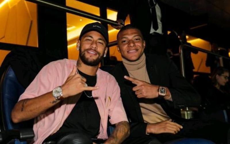 迪马利亚梅开二度!皇马0-3大巴黎,连续12年欧冠开门红遭终结