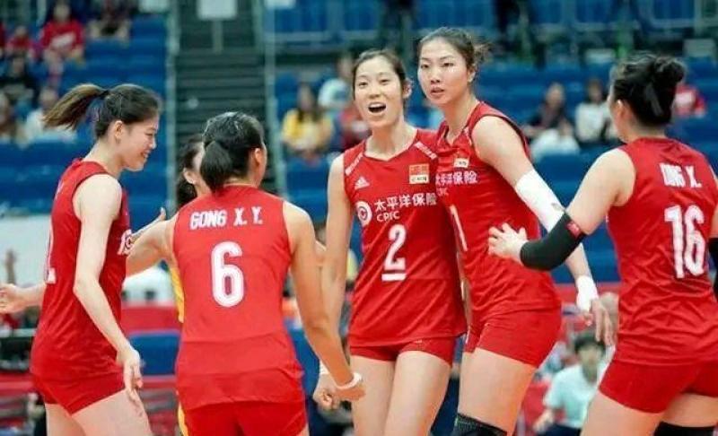 【耶系以少年】朱婷和袁心玥爆发,带领中国女排艰难击败巴西,如何才能战胜美国