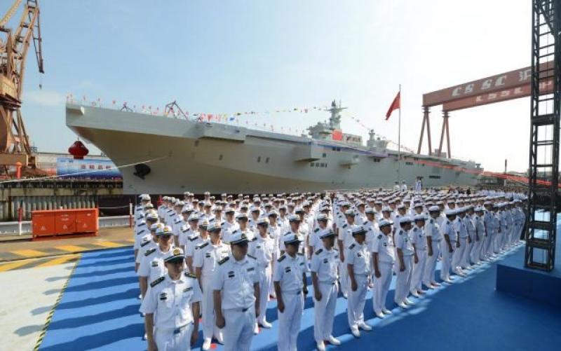 国产075两栖攻击舰举行下水仪式 目前仅中美能造
