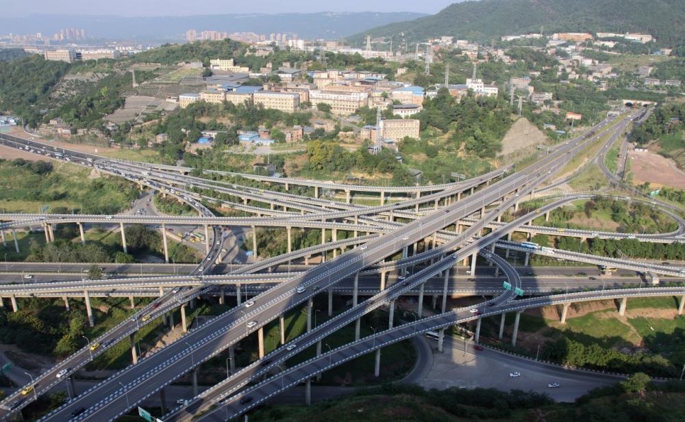 【行业】这座立交桥共有五层20条匝道,让外地司机抓脑,让导航也会犯迷糊