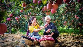 【别穿红裙づ来炫耀】你看农民高兴的样儿,就会知道今年又丰收了