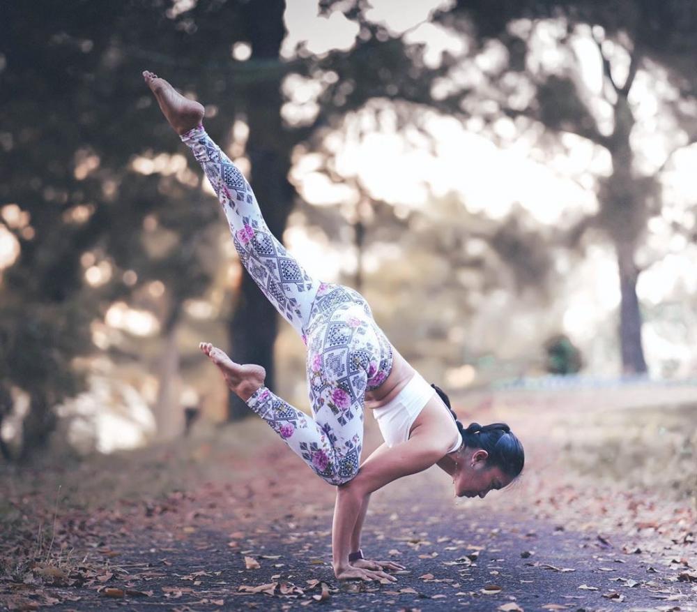 一名瑜伽人,就要像一棵大树
