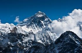 给自己制定一个目标,登山就要登上珠穆朗玛峰,一组震撼珠峰美景