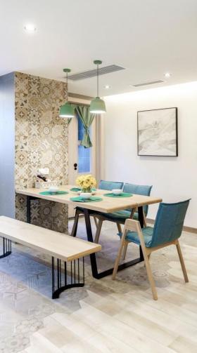 【性感的小面包】135平米三居室开放式格局的彩色住宅