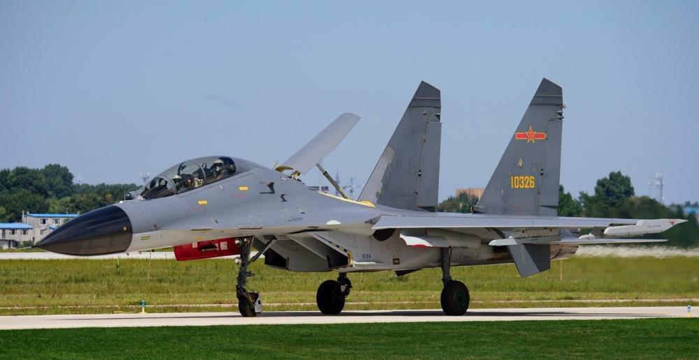 【草莓味甜甜圈】中国空军歼-11BS重型战斗机 现役公开展示次数最多的战机