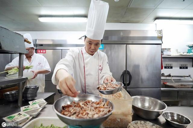 【麋鹿小仙囡】世界美食之都,近半数重要国宴的厨师都来自这里