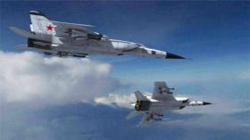 【仙女不成魔】米格25输出功率很大,起飞前开启雷达,地面机组人员一个也跑不了