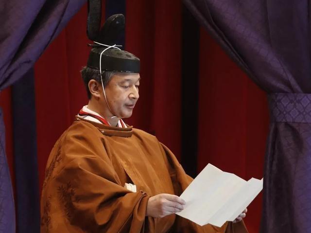 【討只軟猫兒】日本新天皇即位,宝座上有9只中国神鸟