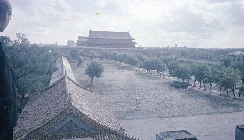 新中国成立后改造天安门广场老照片:扩建规模空前,中华门被拆除