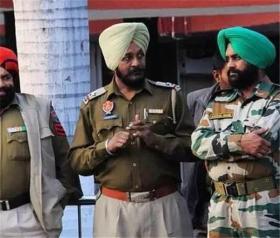 【萌卷软糕】印度士兵佩戴头巾要30分钟,为什么不选择头盔?原因有2点