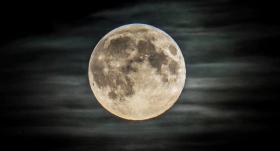 【夏日天浅蓝】新月球时代或要来了,NASA连续宣布两大消息,载人登月需要帮助?