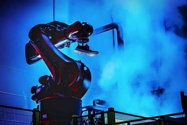 【茉莉花的清香】阿迪关闭在德、美2家机器人工厂:亚洲更经济