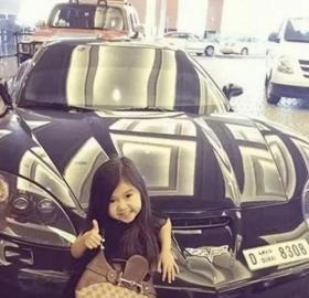 """【少年维特斯】因""""太漂亮""""被迪拜富豪收养,5岁进豪门,小女孩如今咋样?"""