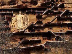 """【傲娇范、女王】我国最""""有钱""""的山,山脚下就有上百万现金,游客很多却没人拿走"""