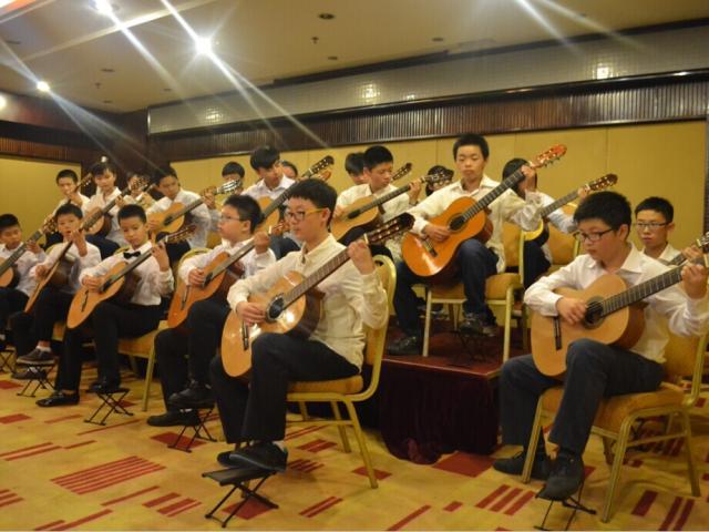 【上海博艺艺术培训中心】单人0基础吉他体验课,教育培训 >> 兴趣课堂 >> 乐器